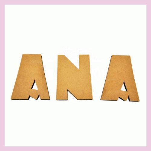 Nombre en madera